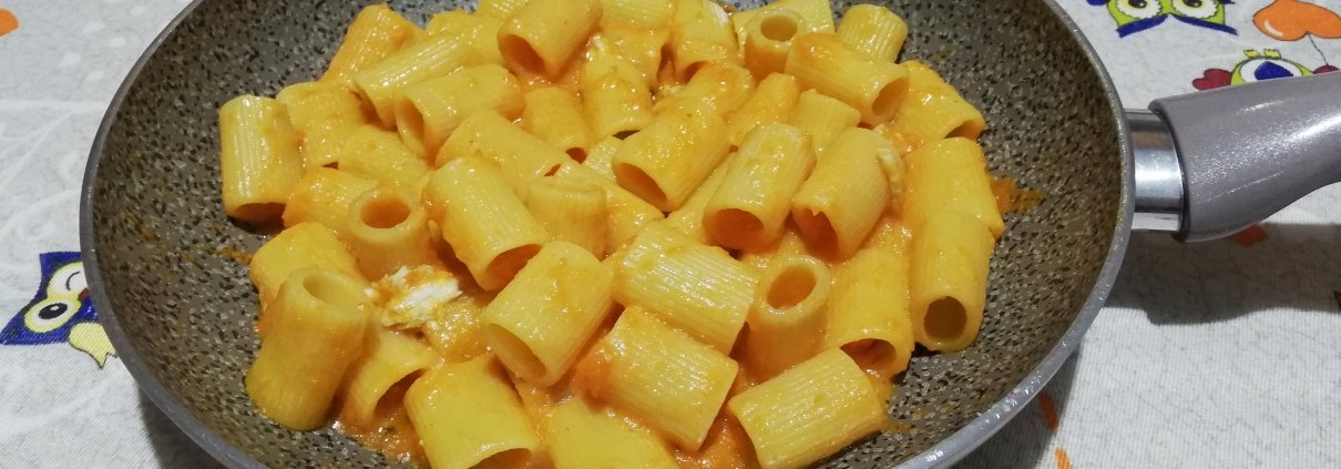 Mezze maniche zucca e gorgonzola