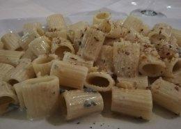 Mezze maniche noci e gorgonzola
