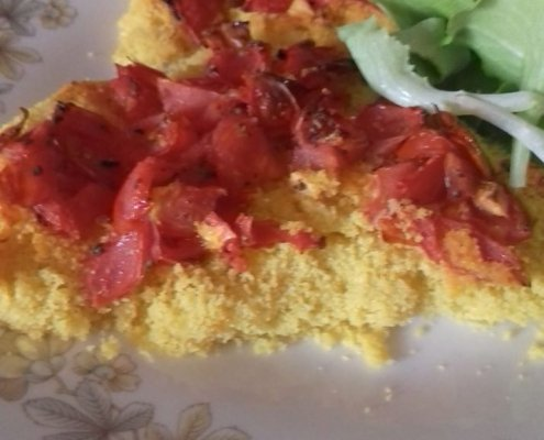 Filetti di merluzzo panati con mais e pomodorini